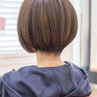 ショート ショートボブ 前下がり フェミニン ヘアスタイルや髪型の写真・画像