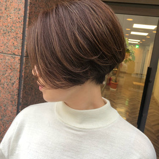 ショートヘア ショート ミニボブ ナチュラル ヘアスタイルや髪型の写真・画像