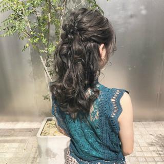 ハーフアップ オリーブアッシュ 簡単ヘアアレンジ セミロング ヘアスタイルや髪型の写真・画像