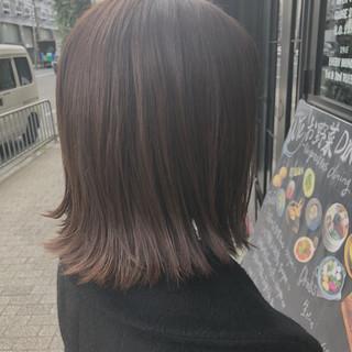 切りっぱなしボブ 外ハネ 外ハネボブ ミディアム ヘアスタイルや髪型の写真・画像