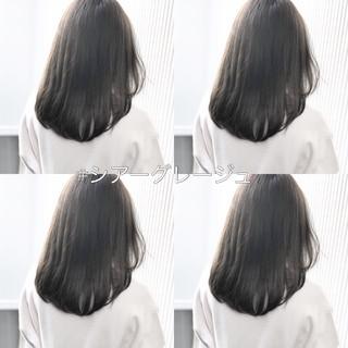 セミロング アッシュグレージュ グレージュ 前髪 ヘアスタイルや髪型の写真・画像