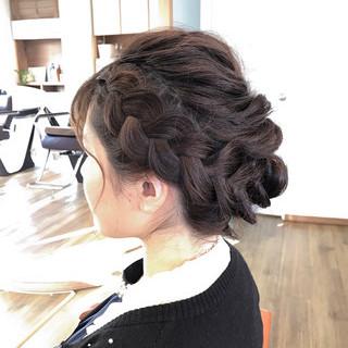 大人女子 暗髪 ミディアム 編み込み ヘアスタイルや髪型の写真・画像