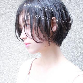 ナチュラル ショート 大人かわいい 簡単スタイリング ヘアスタイルや髪型の写真・画像