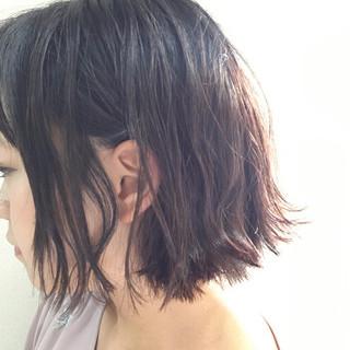 外ハネ 夏 ウェットヘア リラックス ヘアスタイルや髪型の写真・画像