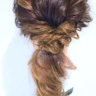 フェミニン ルーズ 結婚式 セミロング ヘアスタイルや髪型の写真・画像