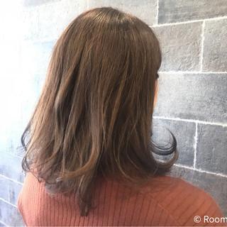 イルミナカラー デート ナチュラル ミディアム ヘアスタイルや髪型の写真・画像