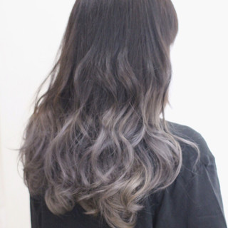 外国人風カラー グレーアッシュ アッシュグレー ダブルカラー ヘアスタイルや髪型の写真・画像