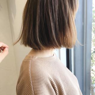 ハイライト 外国人風 アッシュベージュ 抜け感 ヘアスタイルや髪型の写真・画像