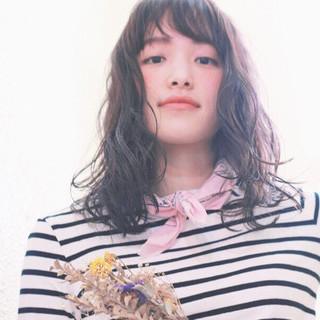 暗髪 ミディアム 夏 ナチュラル ヘアスタイルや髪型の写真・画像