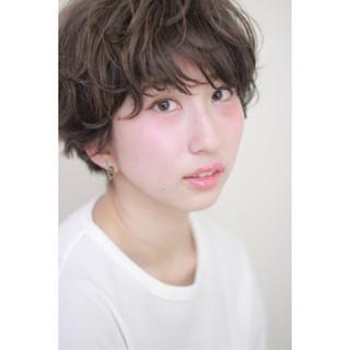 グレージュ パーマ マッシュ 外国人風 ヘアスタイルや髪型の写真・画像