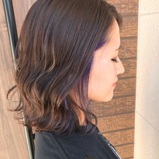 インナーカラーパープル グレージュ ボブ コンサバ ヘアスタイルや髪型の写真・画像