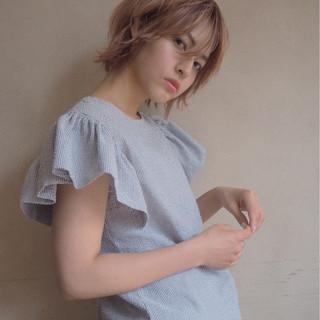 デート ショートボブ ナチュラル ニュアンス ヘアスタイルや髪型の写真・画像 ヘアスタイルや髪型の写真・画像