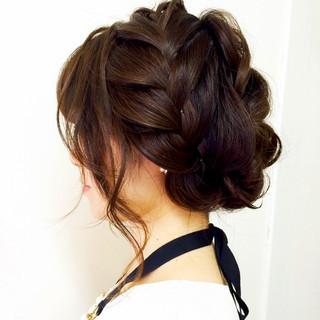 アップスタイル ミディアム 編み込み 簡単ヘアアレンジ ヘアスタイルや髪型の写真・画像