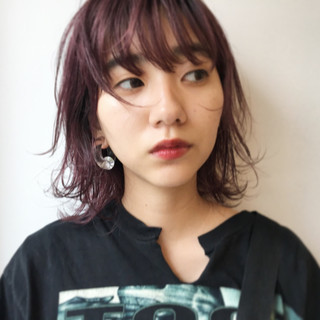 ミディアム ウェットヘア ダブルカラー ストリート ヘアスタイルや髪型の写真・画像