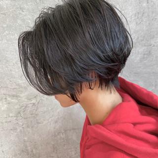 前髪なし 小顔ショート 簡単スタイリング ショートヘア ヘアスタイルや髪型の写真・画像