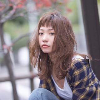 ミディアム ストリート パーマ 外国人風 ヘアスタイルや髪型の写真・画像