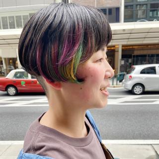 ミニボブ 大人ショート ハイトーン デザインカラー ヘアスタイルや髪型の写真・画像