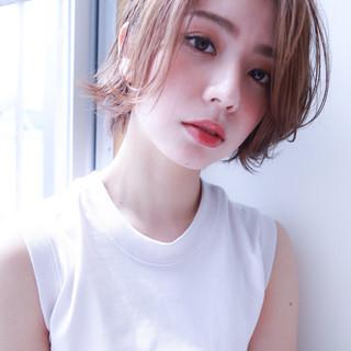 フェミニン ショートヘア ショートボブ 切りっぱなし ヘアスタイルや髪型の写真・画像