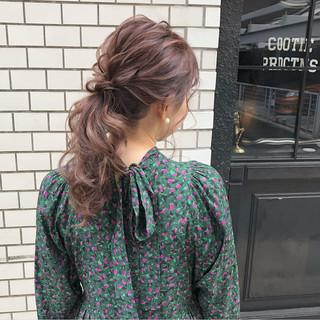 セミロング フェミニン 結婚式 ポニーテール ヘアスタイルや髪型の写真・画像