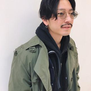 センターパート メンズヘア センター分け ナチュラル ヘアスタイルや髪型の写真・画像