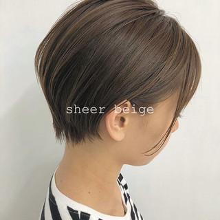 シアーベージュ ショートボブ ショート ナチュラル ヘアスタイルや髪型の写真・画像