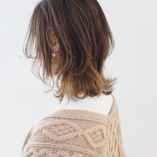 グラデーションカラー バレイヤージュ ウルフカット ボブ ヘアスタイルや髪型の写真・画像