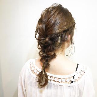 簡単ヘアアレンジ ベージュ リラックス アンニュイ ヘアスタイルや髪型の写真・画像 ヘアスタイルや髪型の写真・画像