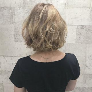 ショート ダブルカラー エレガント 外国人風カラー ヘアスタイルや髪型の写真・画像 ヘアスタイルや髪型の写真・画像