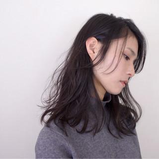 セミロング ナチュラル アンニュイ ゆるふわ ヘアスタイルや髪型の写真・画像 ヘアスタイルや髪型の写真・画像