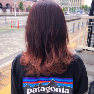 ラズベリーピンク ブリーチオンカラー 裾カラー ストリート ヘアスタイルや髪型の写真・画像