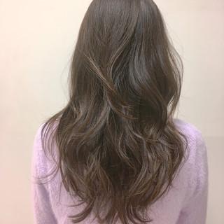 レイヤーカット ガーリー アウトドア レイヤーロングヘア ヘアスタイルや髪型の写真・画像