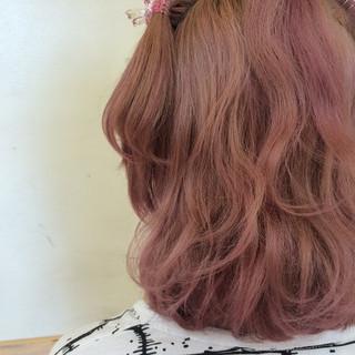 巻き髪 波ウェーブ ガーリー ヘアアレンジ ヘアスタイルや髪型の写真・画像