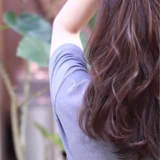 セミロング パーマ ナチュラル 暗髪 ヘアスタイルや髪型の写真・画像