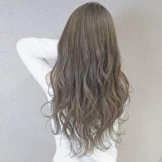 フェミニン 外国人風カラー ロング 愛され ヘアスタイルや髪型の写真・画像 ヘアスタイルや髪型の写真・画像