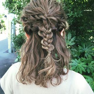 ミディアム ナチュラル 成人式 簡単ヘアアレンジ ヘアスタイルや髪型の写真・画像 ヘアスタイルや髪型の写真・画像