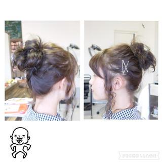 ヘアアレンジ ミディアム メッシーバン 簡単ヘアアレンジ ヘアスタイルや髪型の写真・画像