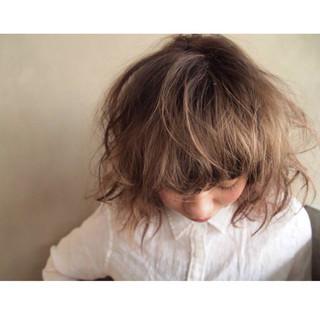 ボブ ダブルカラー 外国人風 ストリート ヘアスタイルや髪型の写真・画像 ヘアスタイルや髪型の写真・画像