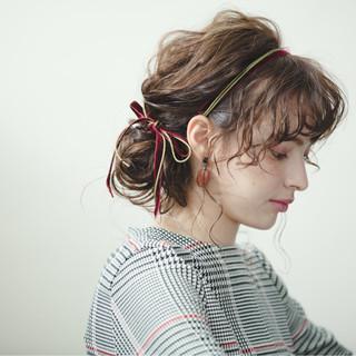 ミディアム パーマ フェミニン 簡単ヘアアレンジ ヘアスタイルや髪型の写真・画像