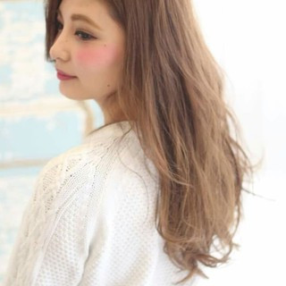 フェミニン 外国人風 大人かわいい ハイライト ヘアスタイルや髪型の写真・画像