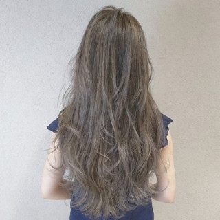 外国人風 ガーリー ブリーチ ブルージュ ヘアスタイルや髪型の写真・画像