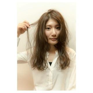 透明感 ハイライト ブルージュ ハイトーン ヘアスタイルや髪型の写真・画像