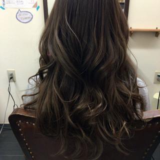 ゆるふわ ハイライト フェミニン ロング ヘアスタイルや髪型の写真・画像