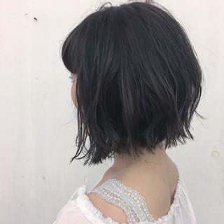 アッシュ ブルーアッシュ ダークアッシュ 暗髪 ヘアスタイルや髪型の写真・画像