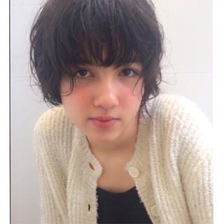 前髪あり ガーリー パーマ くせ毛風 ヘアスタイルや髪型の写真・画像