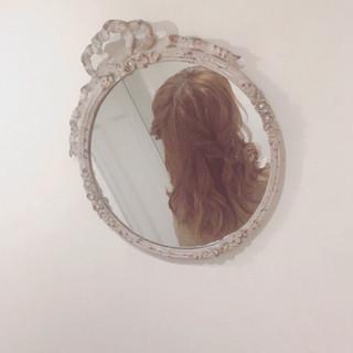 フェミニン ミディアム ヘアアレンジ ゆるふわ ヘアスタイルや髪型の写真・画像