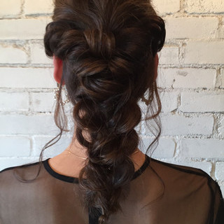 編み込み 上品 アンニュイほつれヘア エレガント ヘアスタイルや髪型の写真・画像