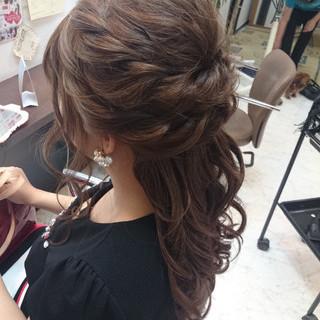ハーフアップ エレガント ヘアアレンジ ルーズ ヘアスタイルや髪型の写真・画像