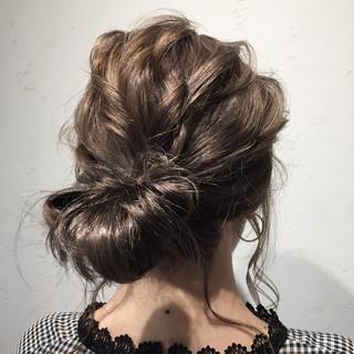 デート ヘアアレンジ 外国人風 ミルクティーベージュ ヘアスタイルや髪型の写真・画像