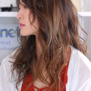 ブリーチ ヘアアレンジ リラックス ロング ヘアスタイルや髪型の写真・画像