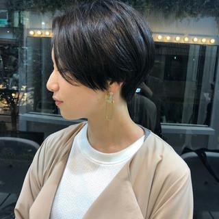 グレージュ 簡単スタイリング カーキ ショートヘア ヘアスタイルや髪型の写真・画像